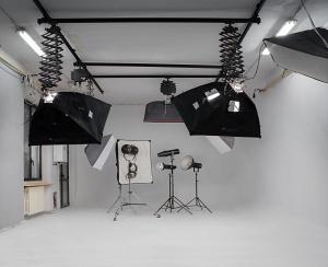 NOLEGGIO/CONDIVISIONE STUDIO FOTO/VIDEO